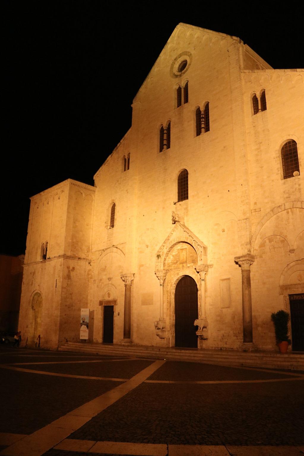 サン・ニコーラ聖堂。